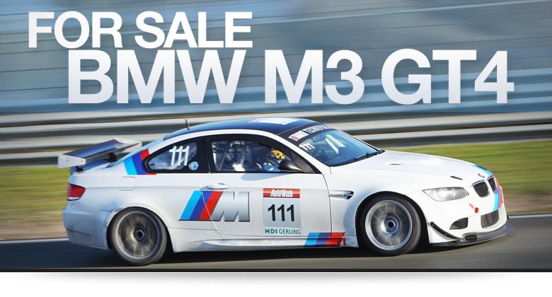 Ein wei�er BMW M3 GT4 f�hrt auf der Rennstrecke