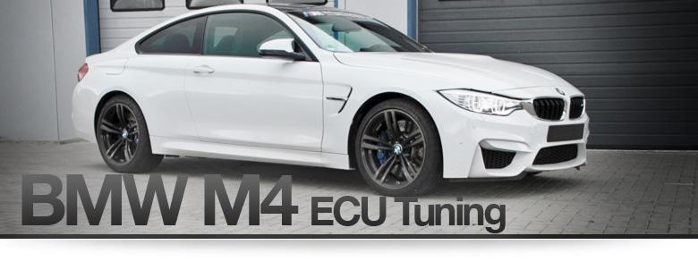 BMW M4 F82 steht vor der Werkstatt