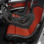 Interieur des BMW M3 CRT mit hochwertigen Sportsitzen und Alcantara Lenkrad